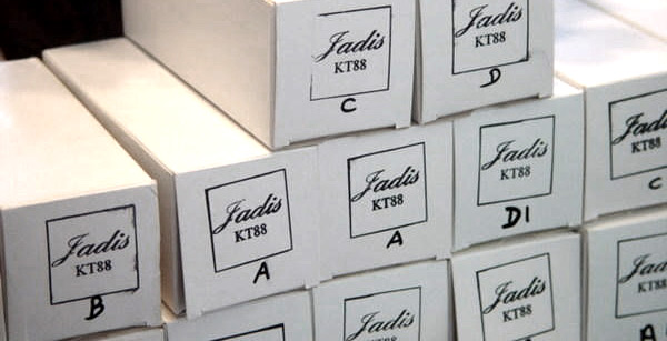 ...u kutijama